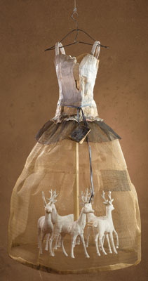 Christina Chalmers    A Magical Life    Steel Mesh, Plaster, Oil and Mixed Media    47x 28 x 30    Courtesy Selby Fleetwood Gallery